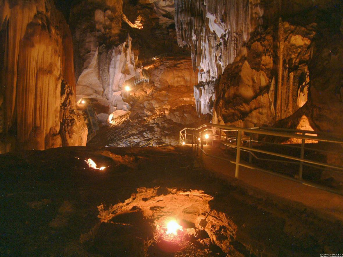 ماجراجویی در غار گوا تمپورانگ (Gua Tempurung) در تور مالزی