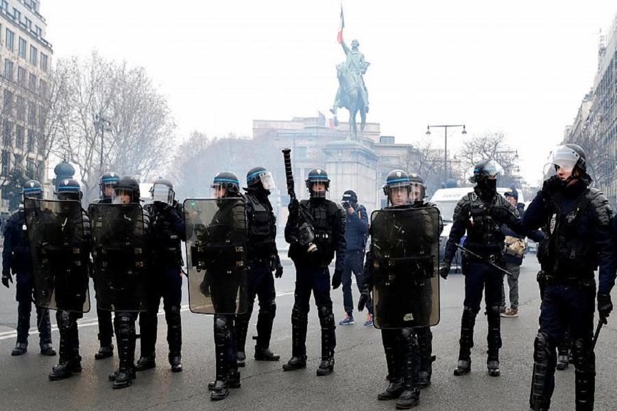 گارد آهنین دولت فرانسه برای شنبه آینده
