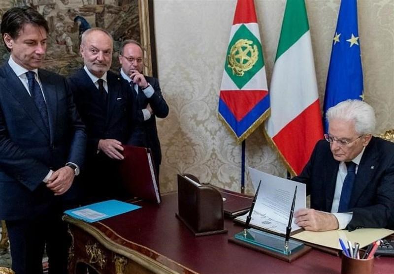 مذاکره رئیس جمهور ایتالیا با احزاب مختلف برای خاتمه دادن به بحران سیاسی