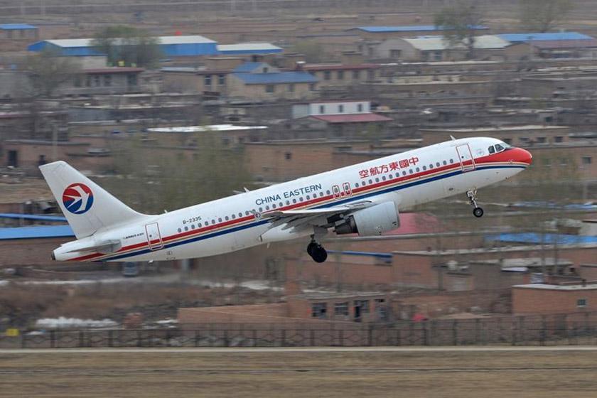 سقوط یک مهماندار هواپیمای خطوط هوایی چین