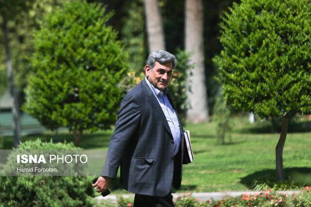طرح ترافیک، برف، سهمیه بنزین و آلودگی هوا ، پاسخ های شهردار تهران را بخوانید