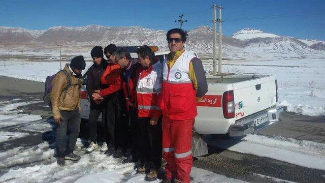 نجات 2 گردشگر اصفهانی در ارتفاعات گندمینه الیگودرز