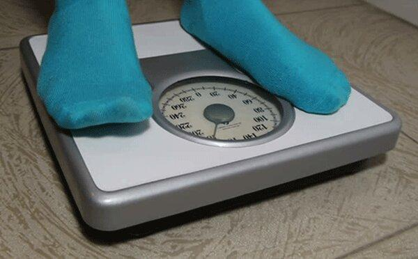 چه کنیم تا در روزهای خانه نشینی وزن اضافه نکنیم؟