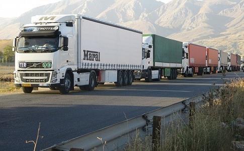 9 کامیون ایرانی متوقف شده در اوکراین و مولداوی راهی کشور شدند