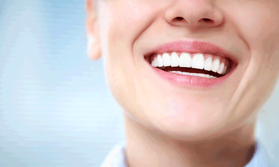 ایمپلنت دندان چیست؟ مزایا و معایب آن