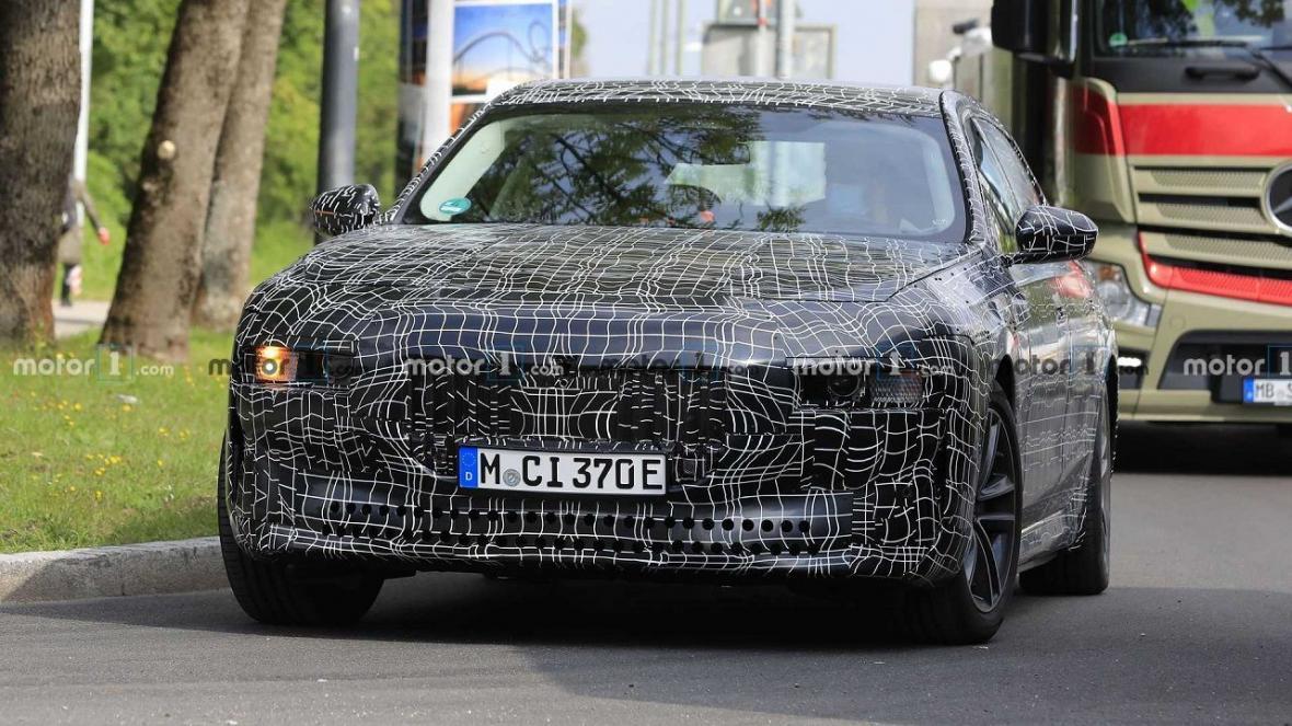 تصاویر جاسوسی از خودرو جدید BMW ، پرچمدار بعدی همه را متعجب کرد
