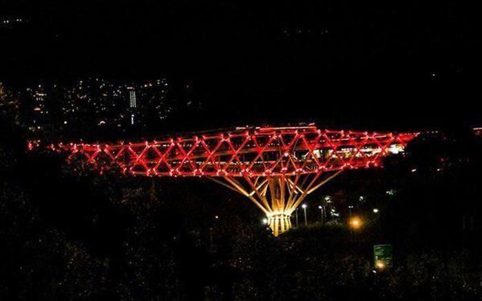 روبان قرمزی که شهر تهران را پوشاند