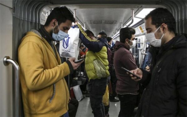 توصیه های کرونایی؛ در صورت استفاده از مترو حتما از ماسک استفاده کنید