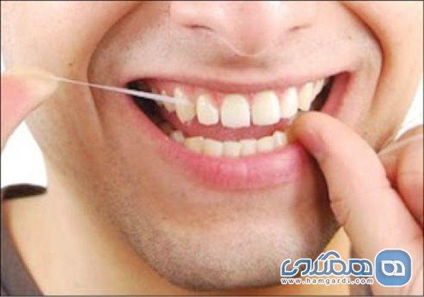 استفاده از نخ دندان قبل از مسواک یا بعد از آن؟