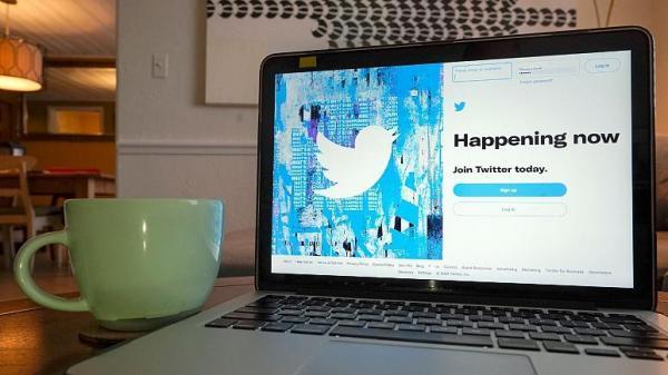 سرویس اشتراک توییتر آبی در کانادا و استرالیا راه اندازی شد ، از قرار دریافت کلید آندو توییت تا تم های رنگی در اختیار کاربران